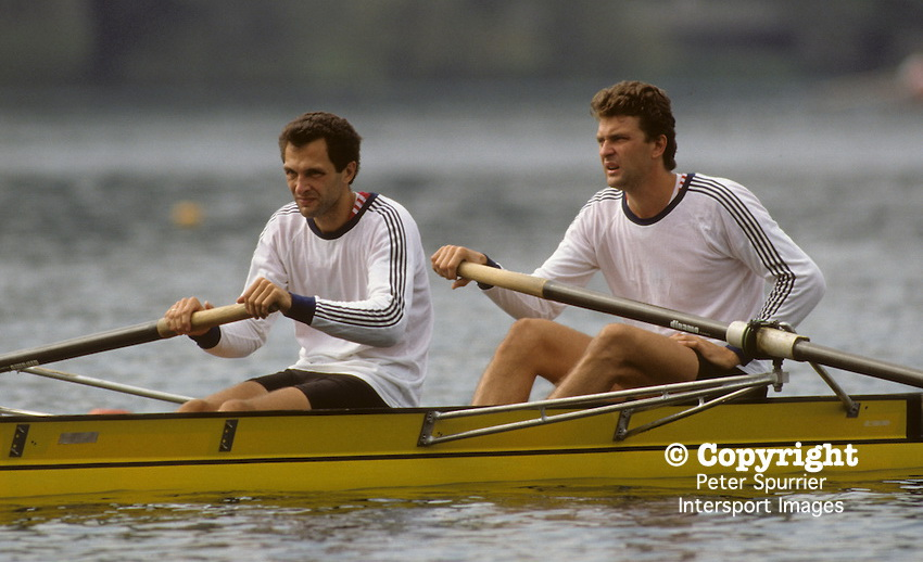 Bled, Slovenia, YUGOSLAVIA.  RUS M2-. Bow Nikolai PIMENOV and Yurij PIMENOV. 1989 World Rowing Championships, Lake Bled. [Mandatory Credit. Peter Spurrier/Intersport Images]